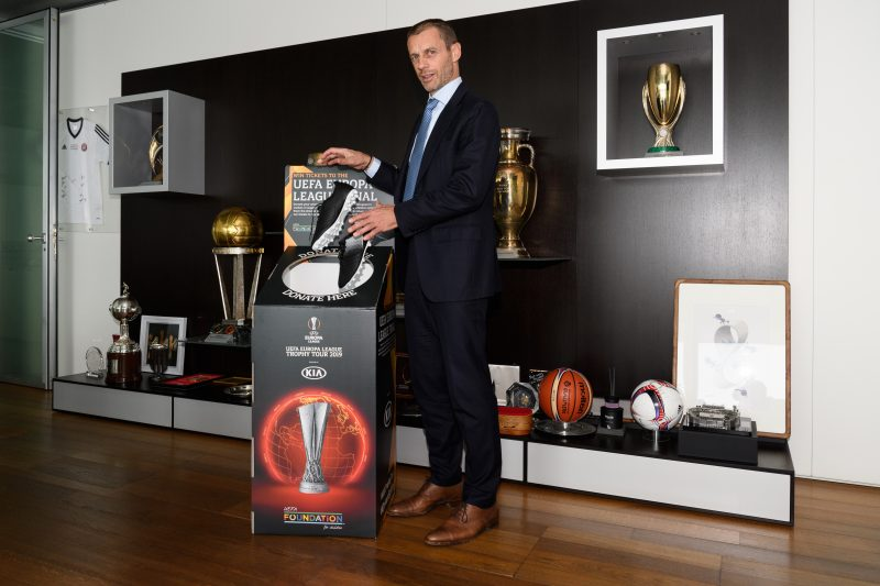 UEL Trophy Tour KIA